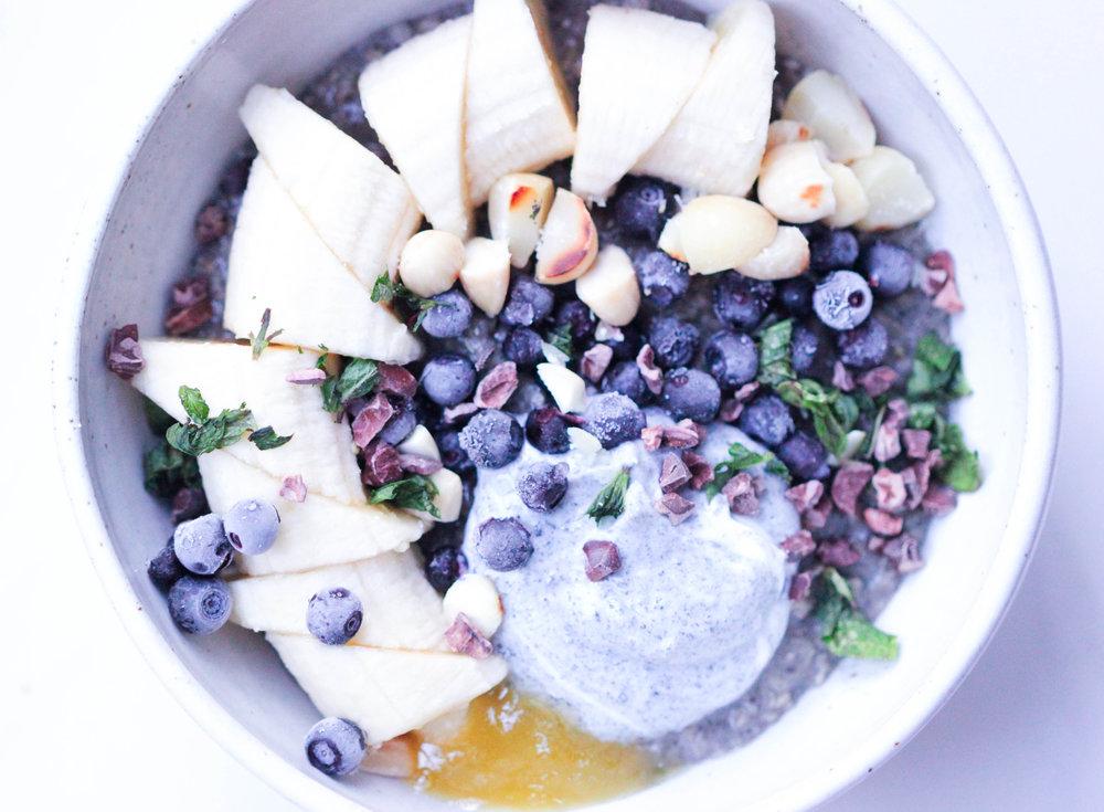 Black Tahini Porridge