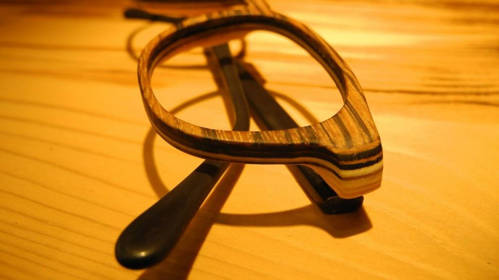Eye glasses production