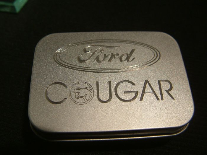 ford-cougar-diamantgravur-metalldose.jpg