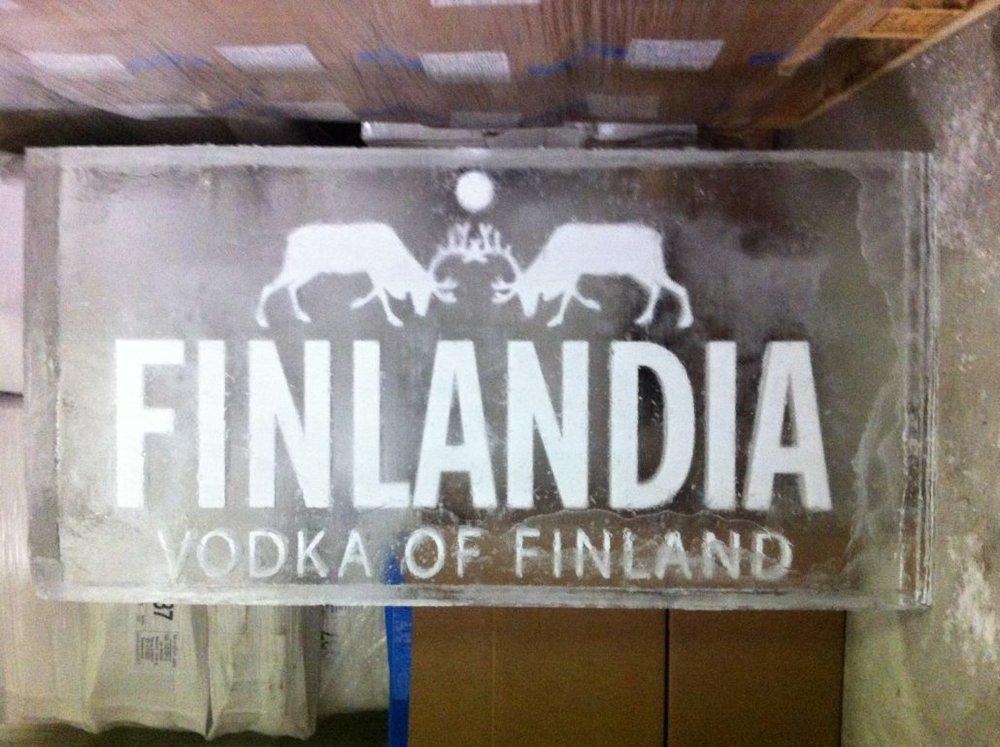 eis-fraesen-fuer-theke-finlandia-vodka-1030x769.jpg