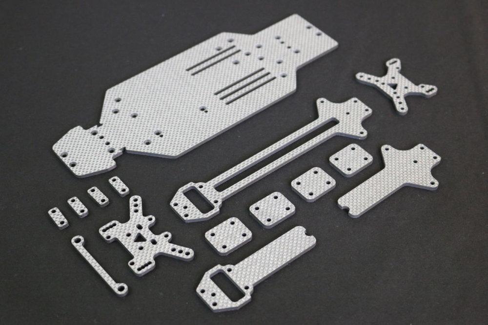 tuningkit-rc-car-carbon-platten-1030x687.jpg