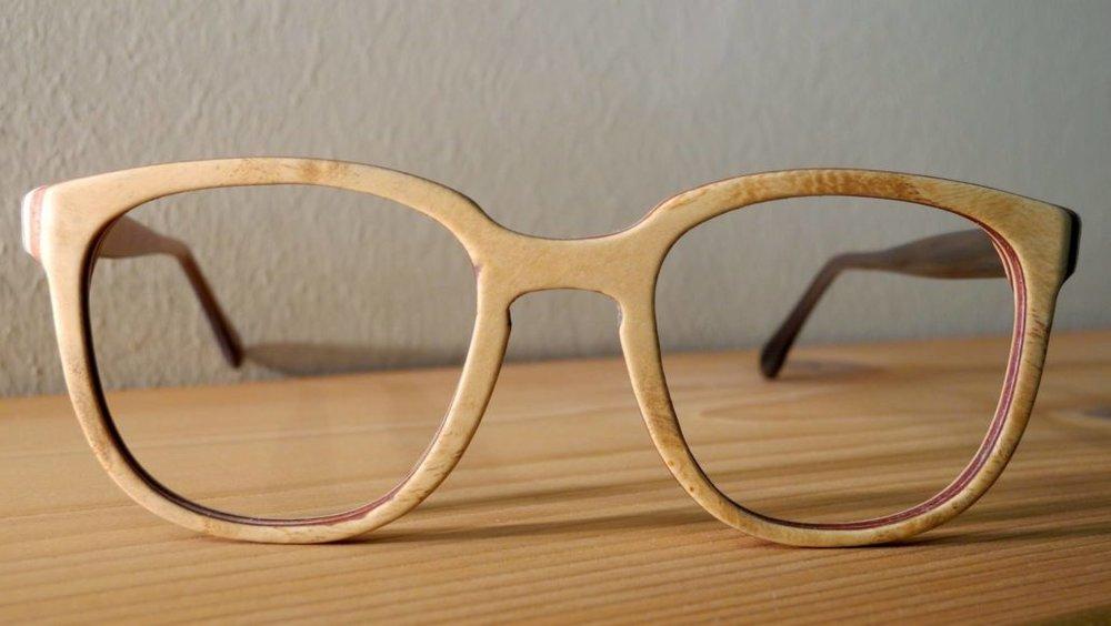 Holzbrille-brille-aus-holz-1030x581.jpg