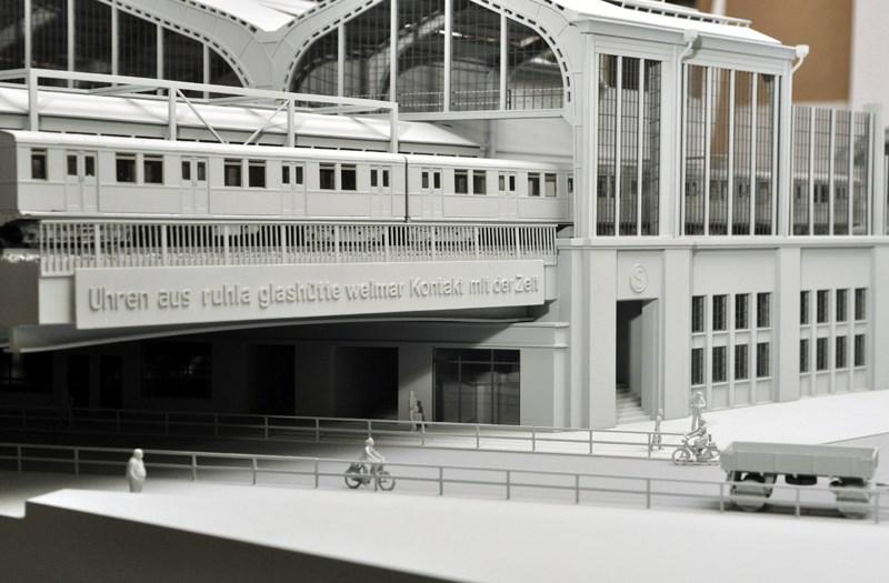 Architekturmodell-Bahnhof.jpg