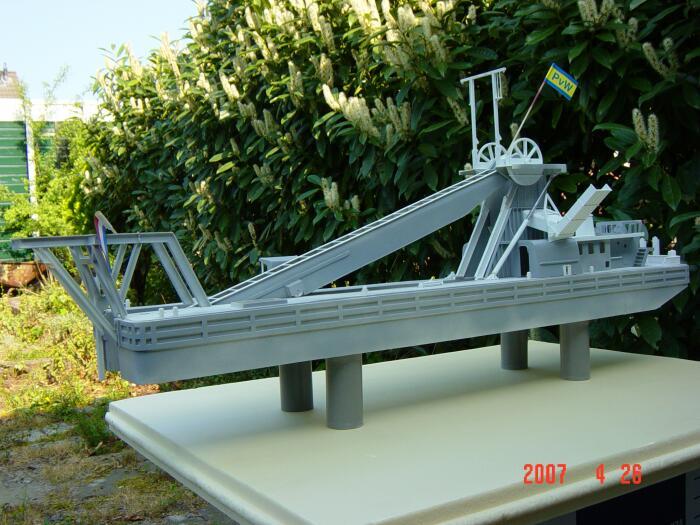 modellbau-bagger-schiff.jpg