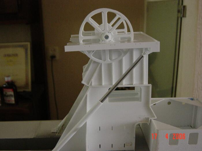 modellbau-bagger-turm.jpg