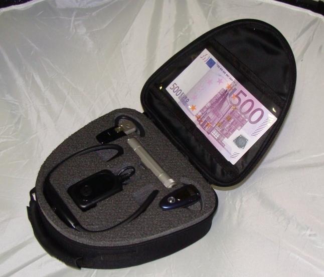 koffereinsatz-schaumstoff-fraesen-handyzubehoer.jpg