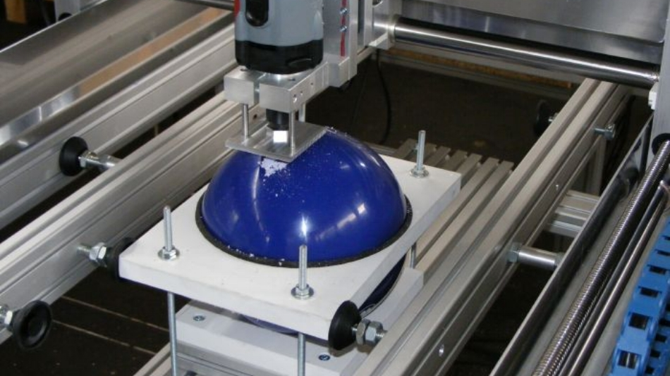 Engrave bulky or round objects with a High-Z CNC machine