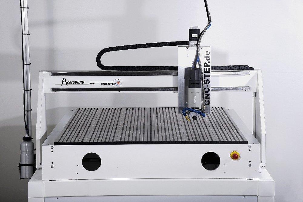 AceroDURO-1010-industriefraesmaschine-frontansicht.jpg