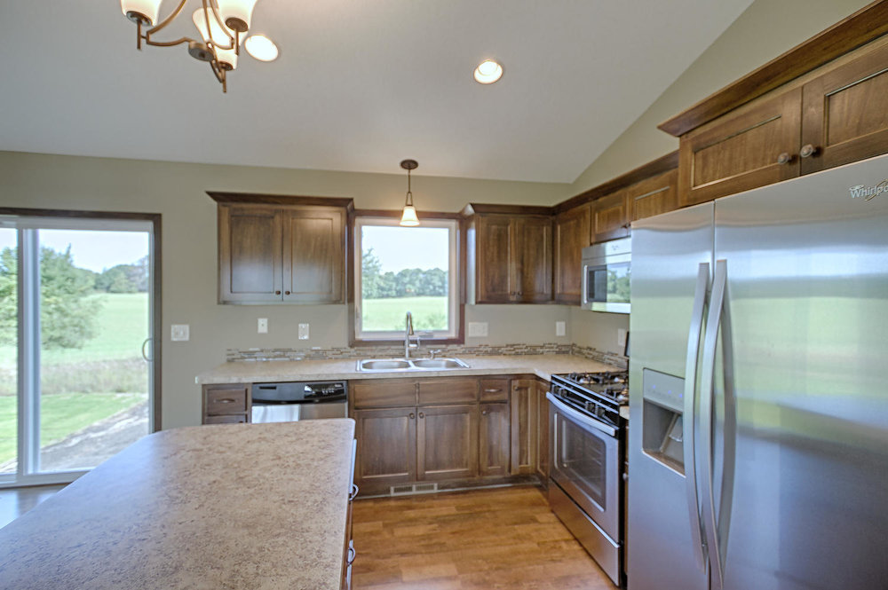 3327 235th Ln NW St Francis MN-large-014-14-Kitchen-1500x998-72dpi.jpg