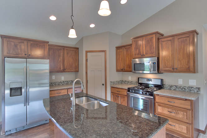 21222 Old Lake George-small-010-10-Kitchen-666x444-72dpi.jpg
