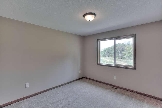 21222 Old Lake George-small-015-15-Bedroom 2-666x444-72dpi.jpg