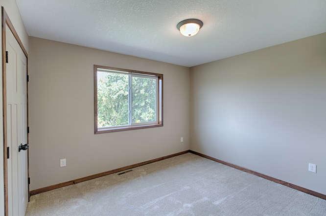 21222 Old Lake George-small-021-21-Bedroom 3-666x443-72dpi.jpg