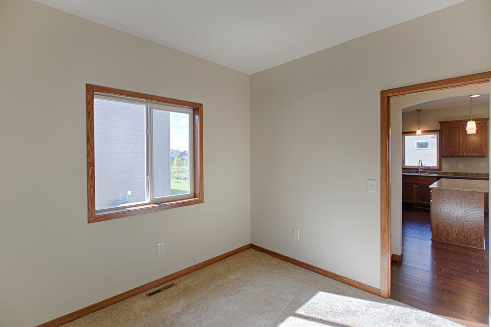 6552 145th Bay N Hugo MN 55038-large-020-Main Floor Den-1500x1000-72dpi.jpg