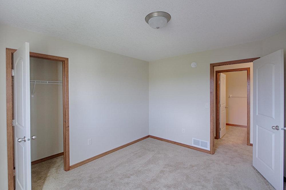 6552 145th Bay N Hugo MN 55038-large-024-Bedroom 3-1500x997-72dpi.jpg