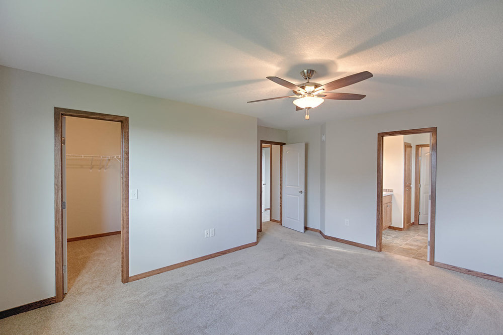 6552 145th Bay N Hugo MN 55038-large-029-Master Bedroom-1500x1000-72dpi.jpg