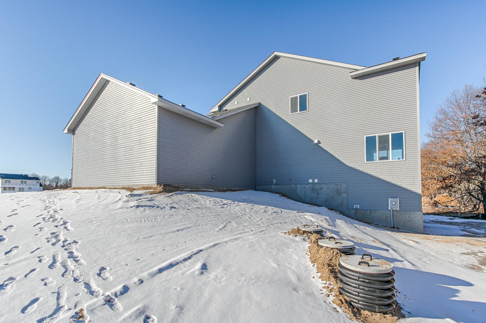 3631 172nd Ln NE Ham Lake MN-large-040-41-040-1500x998-72dpi.jpg