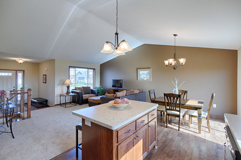 8594 Fairhill Ln Monticello MN-large-016-16-14-1500x999-72dpi.jpg