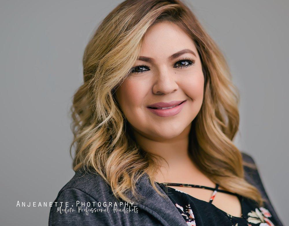 professional business Headshot Arizona Peoria Az Anthem Glendale Az high school portrait photographer Anjeanette Photography Phoenix