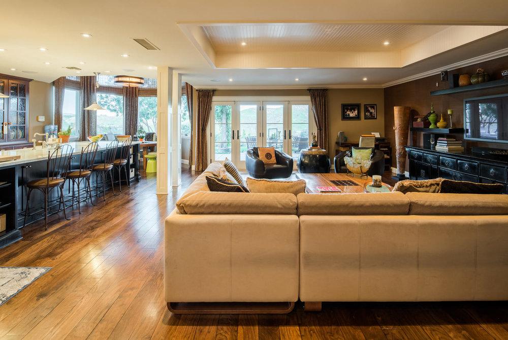 3816 Marks Rd Agoura Hills CA-large-023-37-Family Room-1499x1000-72dpi.jpg