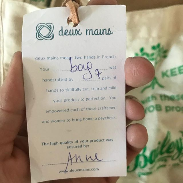 Our new order of BYOB bags arrived this afternoon! We are so grateful to have had the opportunity to work with @deuxmainsdesigns. Each bag has been handmade in Haiti, attached with a hangtag stating how many hands worked to create the bag. Not only will these bags help to decrease plastic on Sanibel, but their production financially supported workers in Haiti.