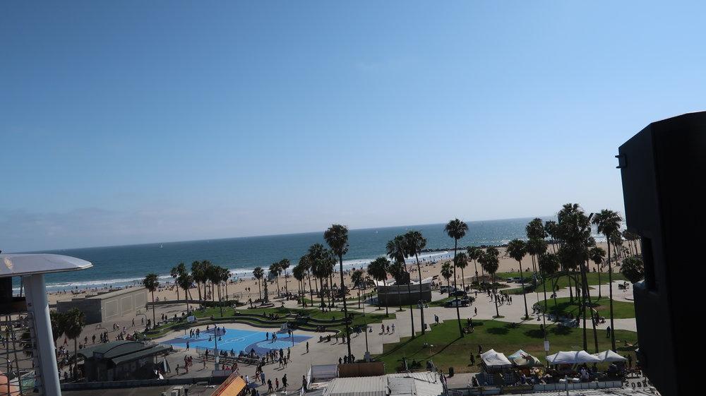 Vue sur l'Océan et le Boarwalk depuis le rooftop de l'hotel Erwin