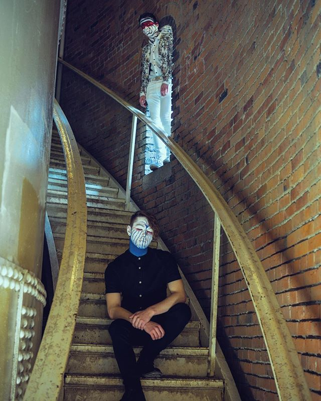 It's good to know people in high places.. or maybe just be in a high place. That's probably better.  Photo by @xposre  Face paint by @lx.hurtz • • • #alternative #alternativepop #altpop #band #bedifferent #cover #creative #coldcolors #fresh #hipster #homestudio #hipstermusic #hiddenhouses #indiepop #indie #indieband #indiemusic #indieartist #newsong #newmusic #nwcreatives #pnw #photoshoot #stairs #singer #seattle #spotify #unsigned #unsignedartist