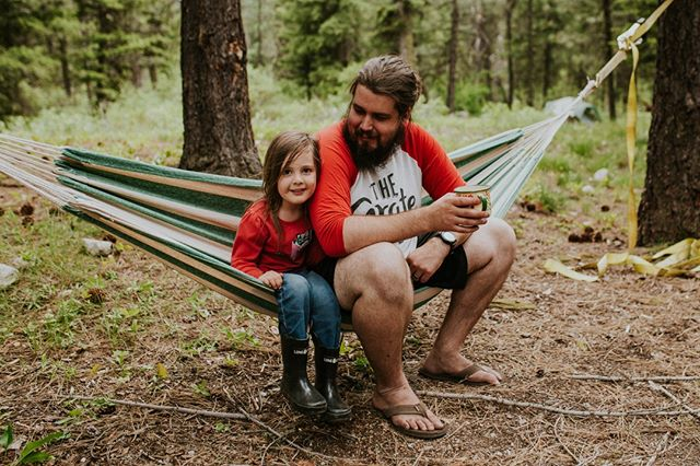 What did you do for Father's Day yesterday? We hope all the hard working Fathers out there had the amazing day they deserve! . . . . . . . #Fathersday #bestdaddyever #dadgoals #candidchildhoold #wildandfreechildren #childrenofthemountains #letthembelittle #kidsforreal #magicofchildhood #livelifeoutside #getoutside #campculture #campvibes #adventurethatislife #makemoments #momswithcameras #mytinymoments