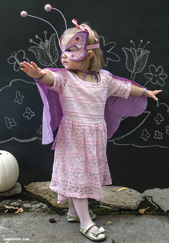 DIY_Butterfly_Costume_No_Sew.jpg