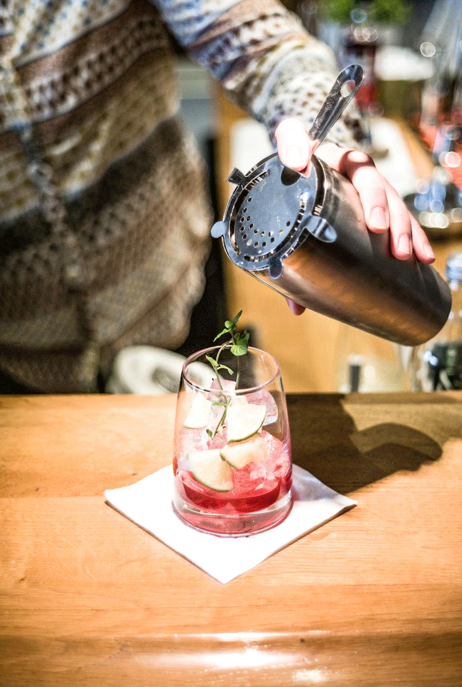 KATHARINA'S COCKTAIL NIGHT - Katharina lässt sich jeden Freitag schöne Spezialitäten zur Cocktail Night einfallen.Sei dabei und JOIN IN!