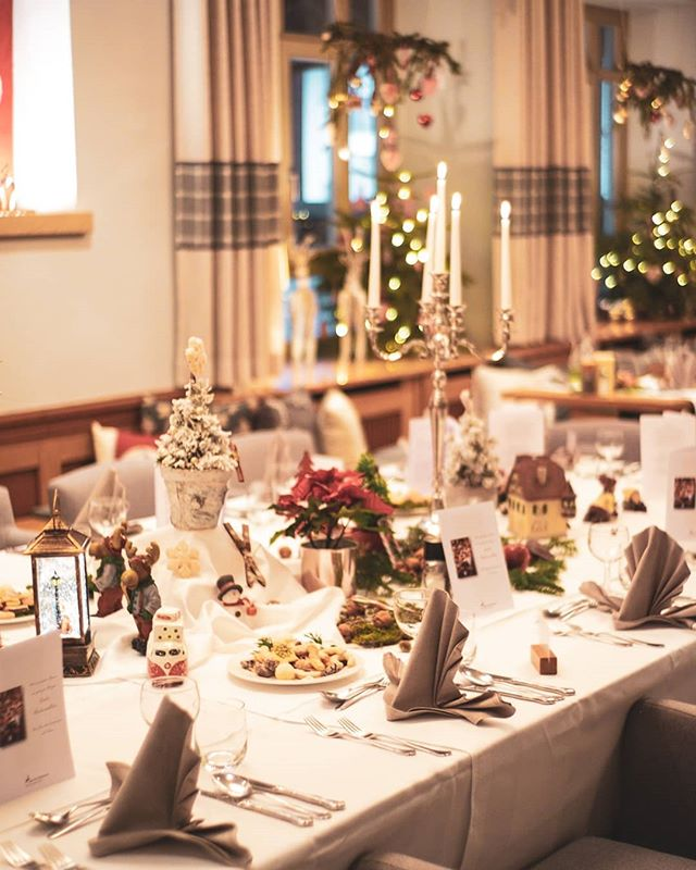 Weihnachten 2018 - wir freuen uns schon auf nächstes Jahr!  @alpenhotel.wittelsbach #travel #bavaria #bayern #chiemgau #munich #traunstein #salzburg #ruhpolding #alps #alpen #restaurant #bar #garden #design #cosy #room #delicious #food #great #drinks #lovely #interior #alpenhotel #wittelsbach #gillitzer #barsifal #ronnefeldt #tee #tea