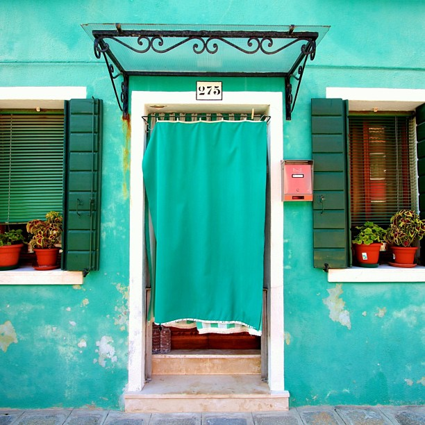 'Burano, Italy' | ©  Paul D'Ambra/Flickr  |  Attribution-NoDerivs 2.0 Generic (CC BY-ND 2.0)