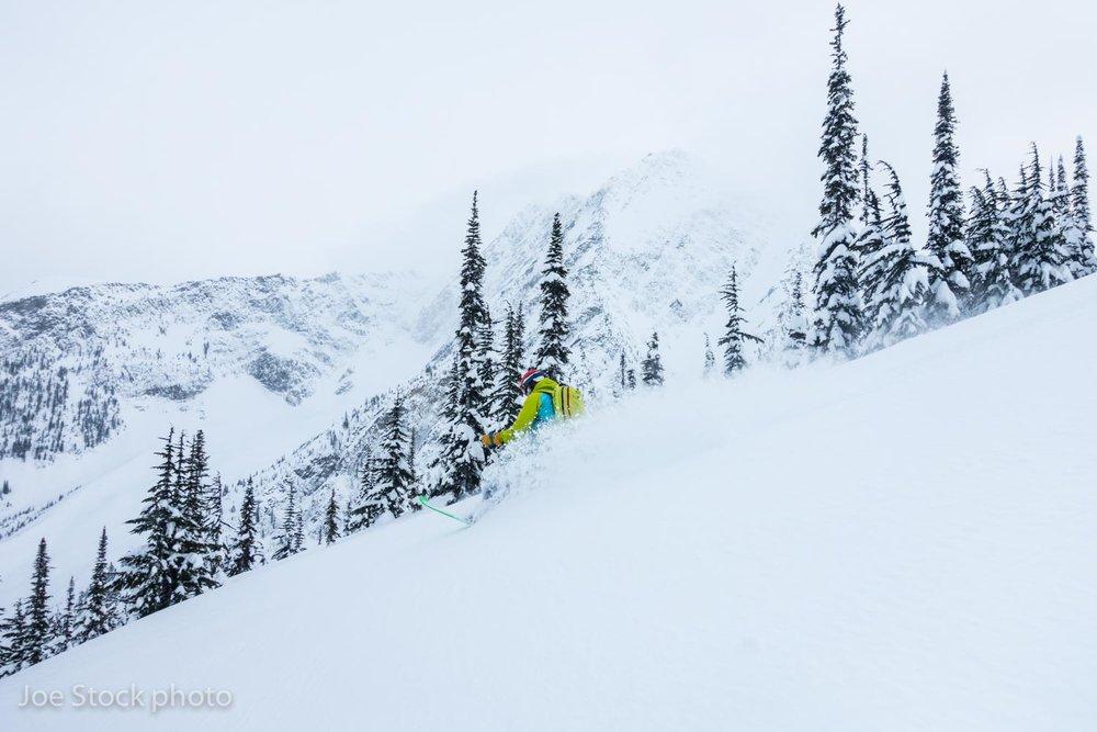 ski.canada.stock-475.jpg