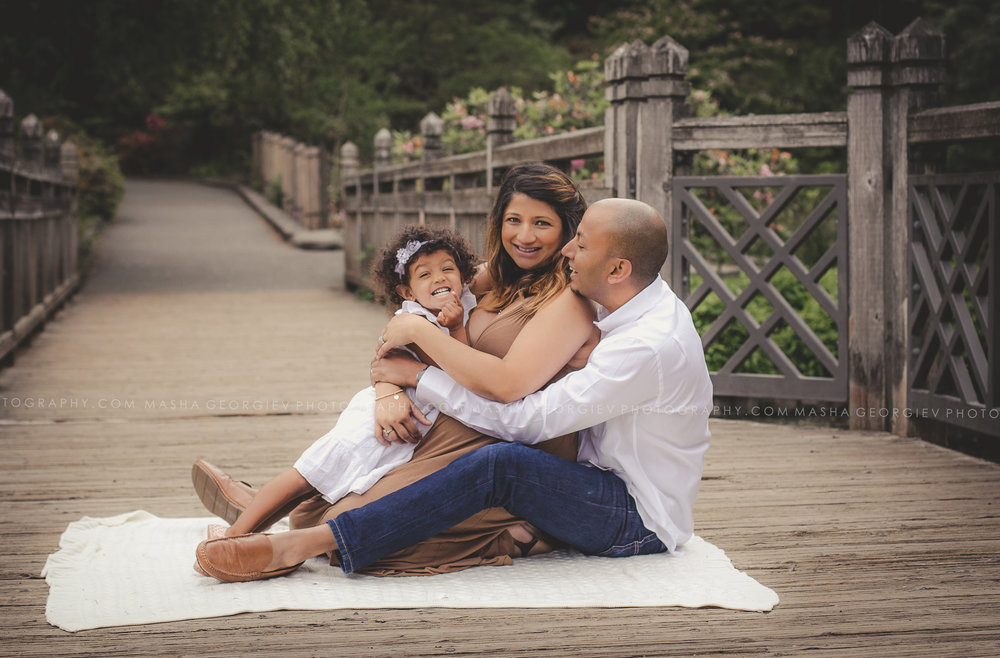 Portland Family Maternity Photographer Masha Georgiev