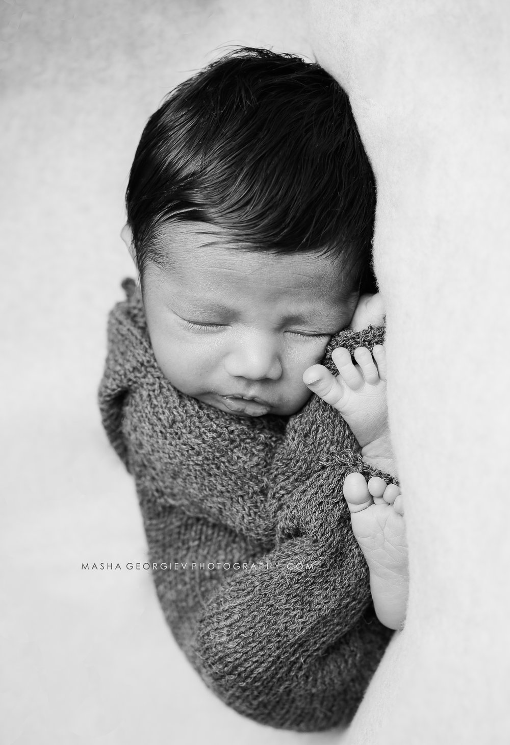 PDX NEWBORN PHOTOGRAPHER MASHA GEORGIEV
