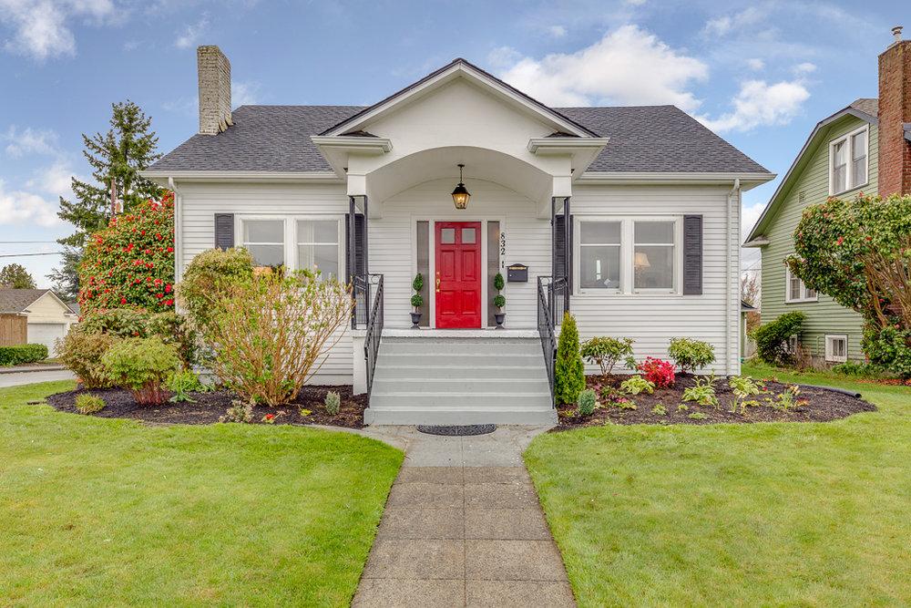 832 hoyt Avenue - Everett, WA // PENDING