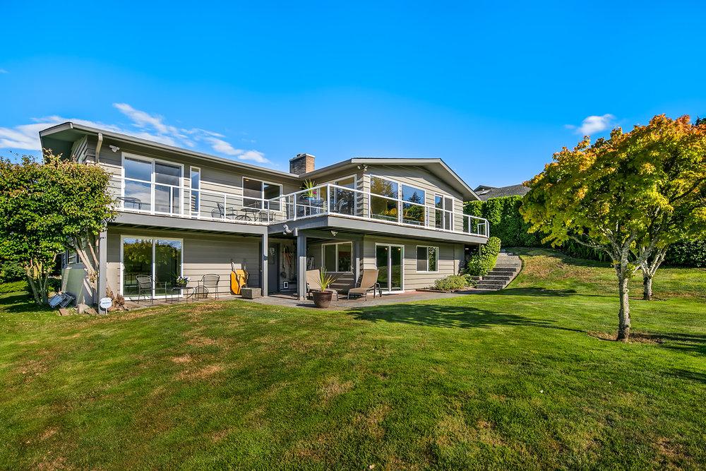 4326 Ridgemont Dr - Everett, WA // $749,950