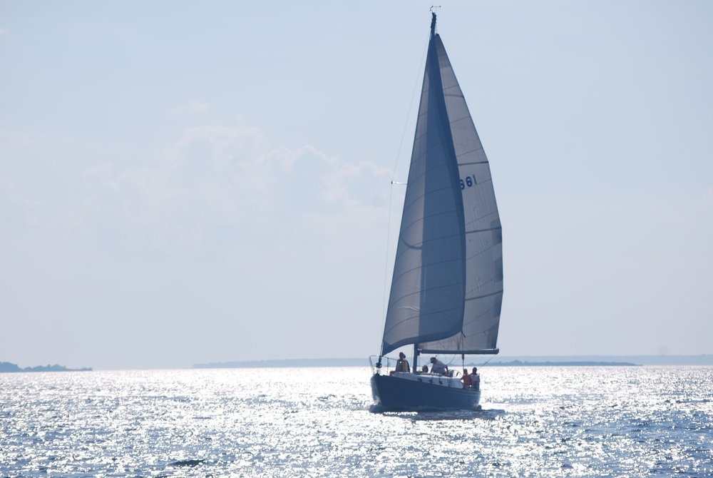 Passage North - This 40 foot sloop is the epitome of classic, luxurious sailing, so bring your linen pants and Sperrys!We're totally kidding. Linen pants and Sperrys optional. Our Cal 40 is fast, sleek, and modern. If you're looking for that classic sailing experience, this 6 passenger sailboat is the one for you!