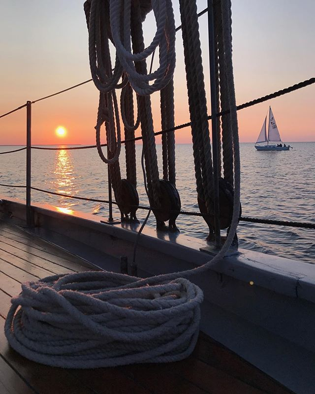 This is the schooners last week of sailing for the 2018 season! Sign on for fall sailing before we down rig at yachtworks marina. 920.495.7245 www.saildoorcounty.com . . . #schooner #schoonerorlater #tallship #fallsailing #fall #fallcolors #sunsets #sail #sailing #ancorsaway #hashbrowns #doorcounty #octobersailing #wisconsin #schoonertrash #lifeofthecowboys #boathouse #darknstormy #sailors #saillikeagirl #sisterbay #sweden #boating #yachtworks