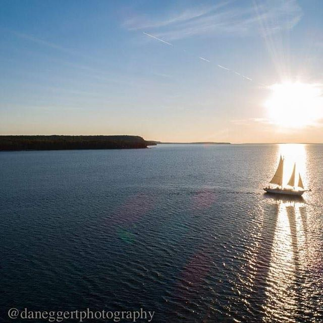 More snow over the weekend but all we can think about it sailing.  If you are dreaming of a summer sail let us know. It is never to early to book a sailing trip with us.  Great photo courtesy of @daneggertphotography  #SailDoorCounty #Sail #Sailing #SailingDreams #SailingLife #⛵ #DoorCounty #DoorCountyWi #FamilyVacation #SunsetSail #PartyBoat #ComeSailWithUs #SunsetSailing
