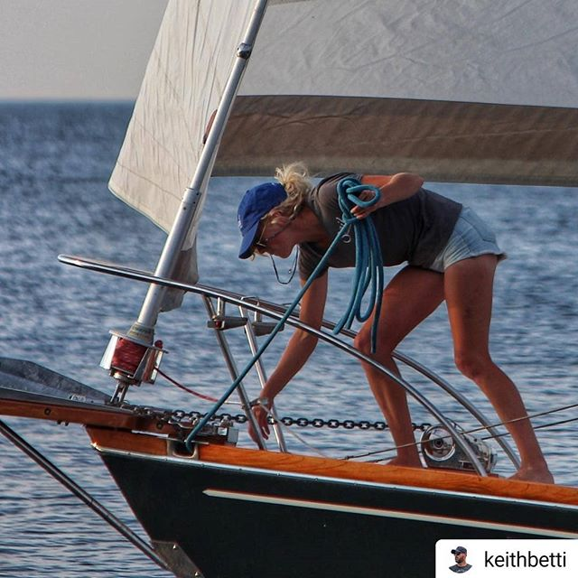 The ice has finally left the harbor and we are starting preparations for this years sailing season. Have you booked your sailing adventure yet with Sail Door County?  #Repost @keithbetti • • • • • Hey summer you here yet?? @doorcounty . . . #SailDoorCounty #Sailing #DoorCounty #doorcountywi #ExploreTheDoor #SailingAdventure #BookYourTrip #SisterBay #SummerVibes #SummerSailing #WaitingForSummer #SeeYouOnTheWater #SailingLife #⛵