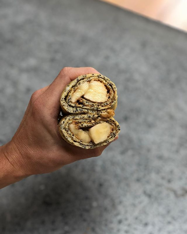 Breakfast sushi. This one probably isn't for everyone but it is really nutritious and perfect if you're on the go. If you were in my lifestyle course on Wednesday this is the one I was talking about! I'll post the recipe by Mikki Williden on the story. ✨