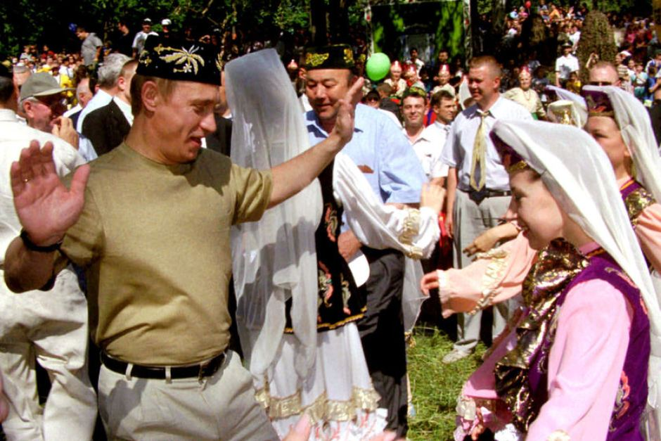 When I was young: Vladimir Putin dancing to his dreams