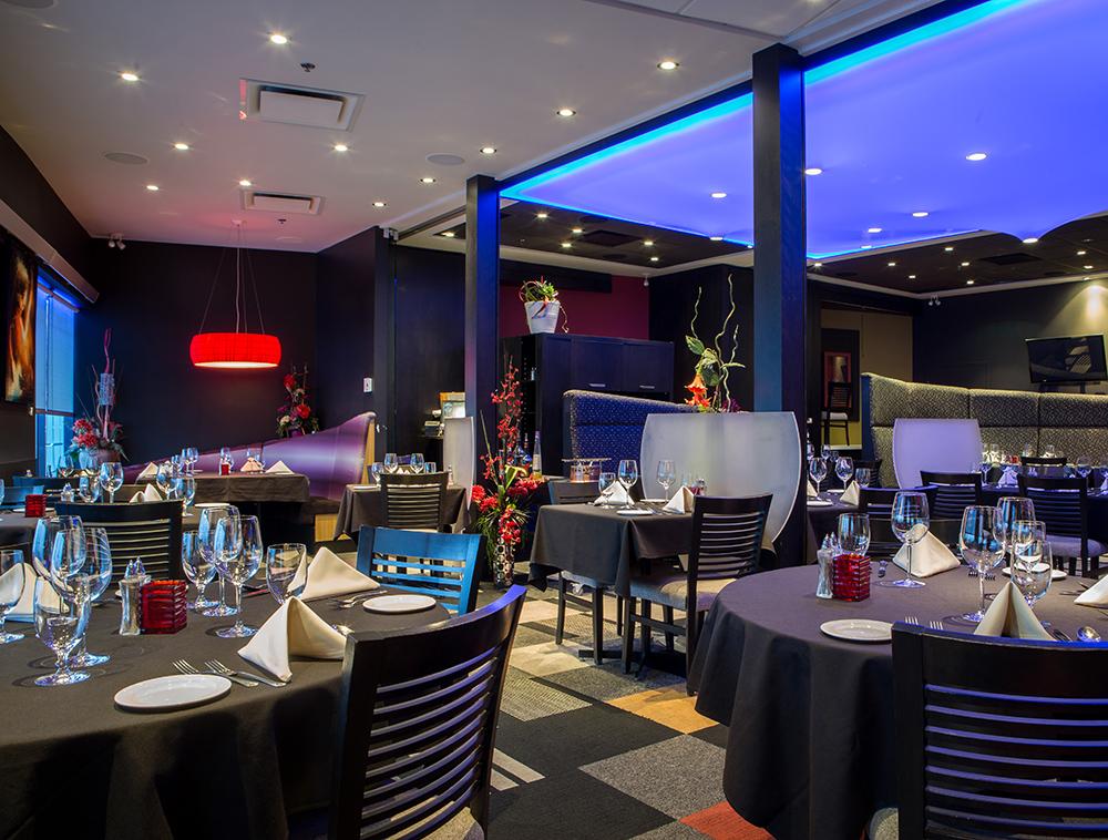 SALLE À MANGER - Le décor feutré de la salle à manger vous permettra de vous détendre tout en dégustant un repas digne de la cuisine signée Sgobba.