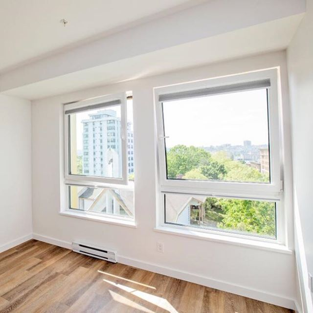 Get some fresh air in a room with a view.... . . . . . . . . #vancouver #yvr #apartment #apartmentliving #rental #chinatown #newbuilding #passivehouse #quality #livelightly #newconstruction #betterliving #citylife #urban #carshare #petfriendly #petswelcome #welcomehome #residential #landmark #lifestyle #whitebuilding #rooftop #goldenrule #floorplan #windows #freshair #3bdrm #view #cityview