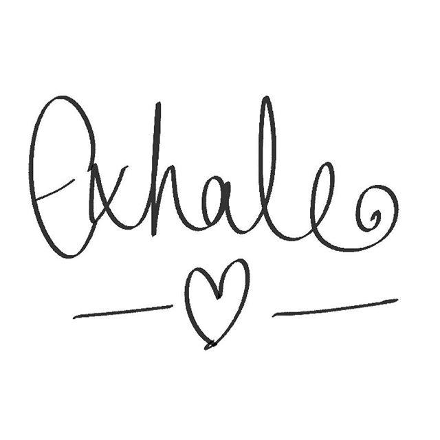 Aaaaahhhh Monday is nearly done ✌️ . . . . . . . . . . . . #breathe #yoga #motherhoodunplugged #mumlife #justanothermanicmonday #aromatherapy #essentialoils #diffuserjewelry #oilygoodness #thehappynow #mumboss #breathwork #doterra #younglivingessentialoils #rockandsoul #inhaleexhale #mondaymotivation #yogainspiration #womenempoweringwomen
