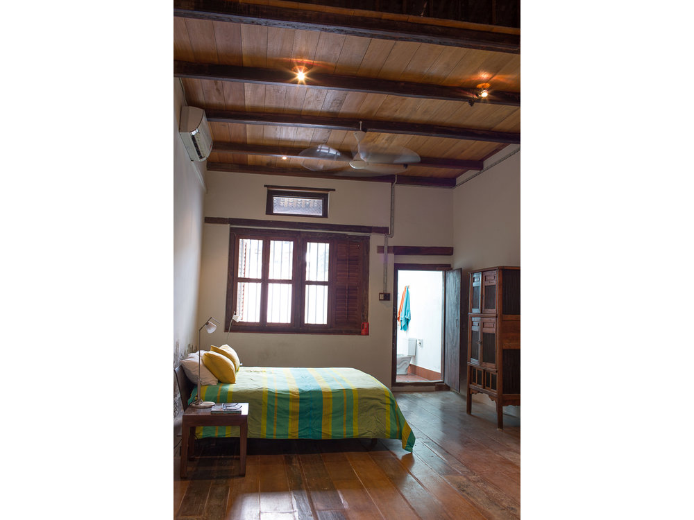 penang-heritage-house-for-sale-master-bedroom-1