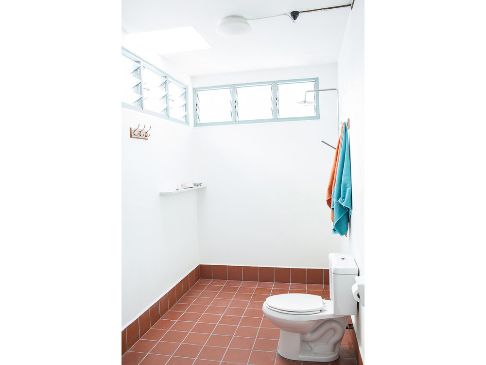 penang-heritage-house-for-sale-master-bathroom-2