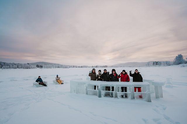 With our guests & friends the @singingpinguins we made a short stop at the ice bar in juoksengi🔥 . . . . . . . #greatnorthcollective #folkgreen #arcticadventures #wildnorthbound #travel #torneälv #instasweden #polarcircle #winterwonderland #fantastictime #visitlapland #swedishlapland #makeadventure #naturelover #wanderlust #ourlapland #explorelapland #övertorneå #ig_sweden #outdoorbloggers #exploresweden #explorescandinavia #visitsweden #travelscandinavia