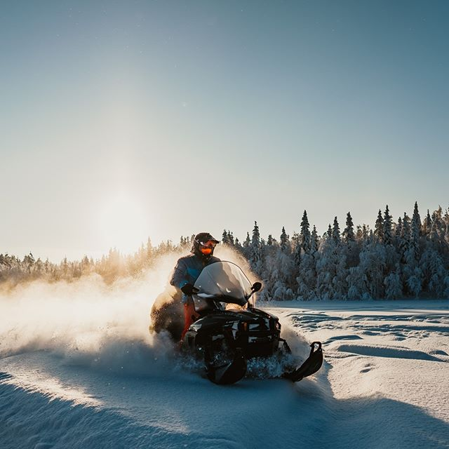 Oooh yes we love it🔥 #fantastictime #norrskenlodge . . . . . . . #guidetolapland #arcticlapland #winterwonderland #greatnorthcollective #exploresweden #instasweden #ig_sweden #polarcircle #visitlapland #snowscooter #outdoorbloggers #visitsweden #explorescandinavia #goexplore #travelsweden #wanderlust #naturelovers #swedishlapland #makeadventure #snowactivities #torneälv #photooftheday #ourlapland