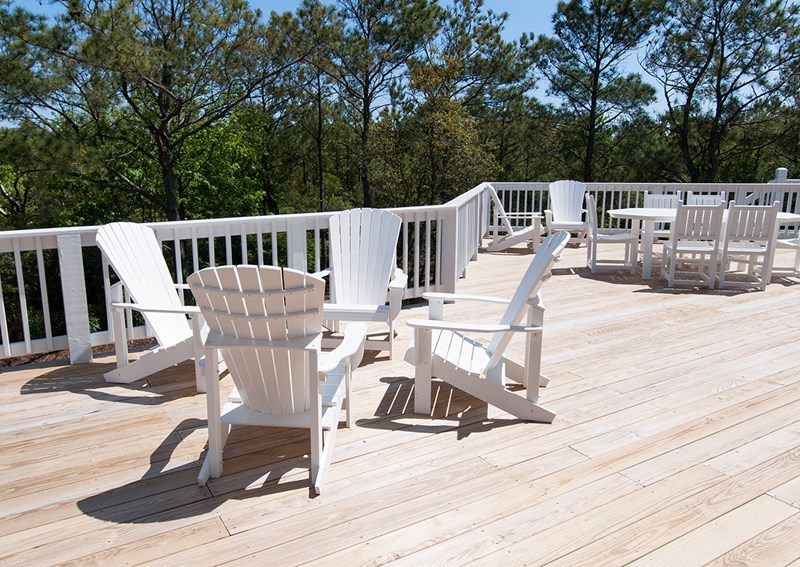 Level 2 deck seating